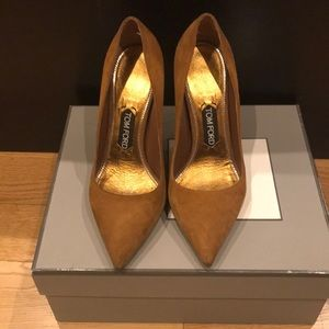Tom Ford suede pumps, size 38